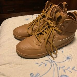Nike mid winter shoes